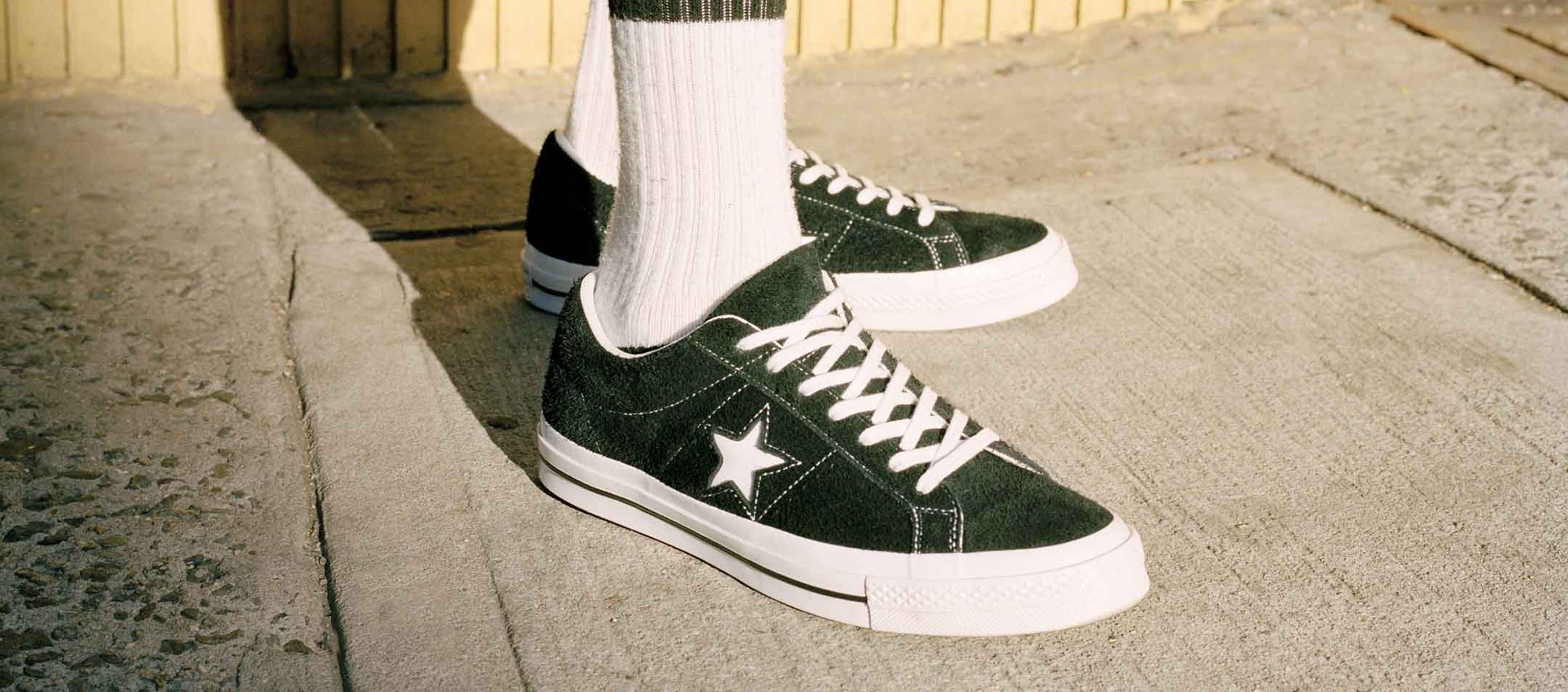 46bd68dfe933 These  90s-Era Sneakers Are Officially Cool Again - ONE37pm