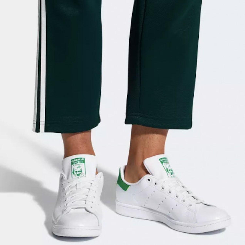 2. Adidas Stan Smith  0