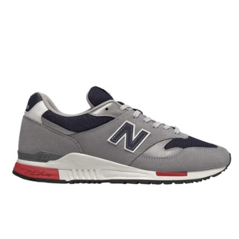 22. New Balance 840 0