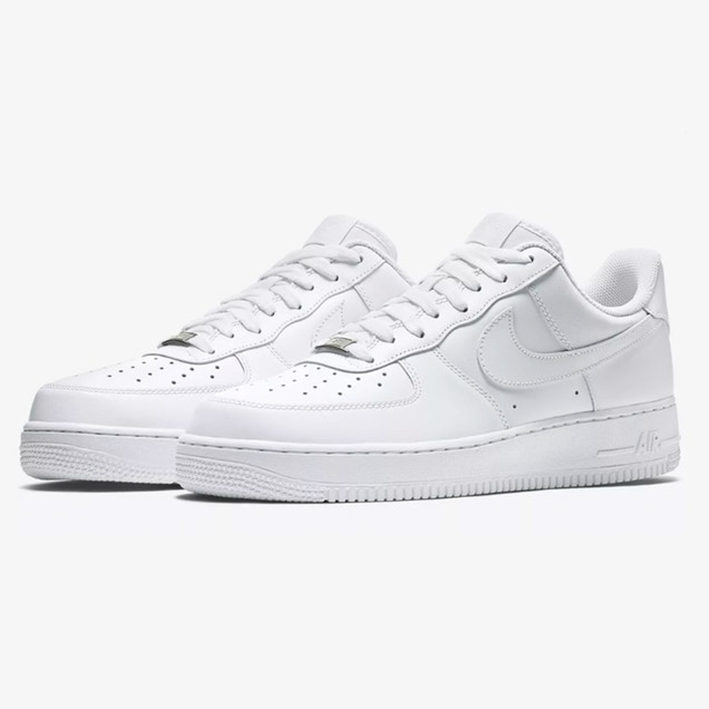 25 Nike Air Force 1 0