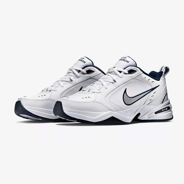 28 Nike Air Monarch 0