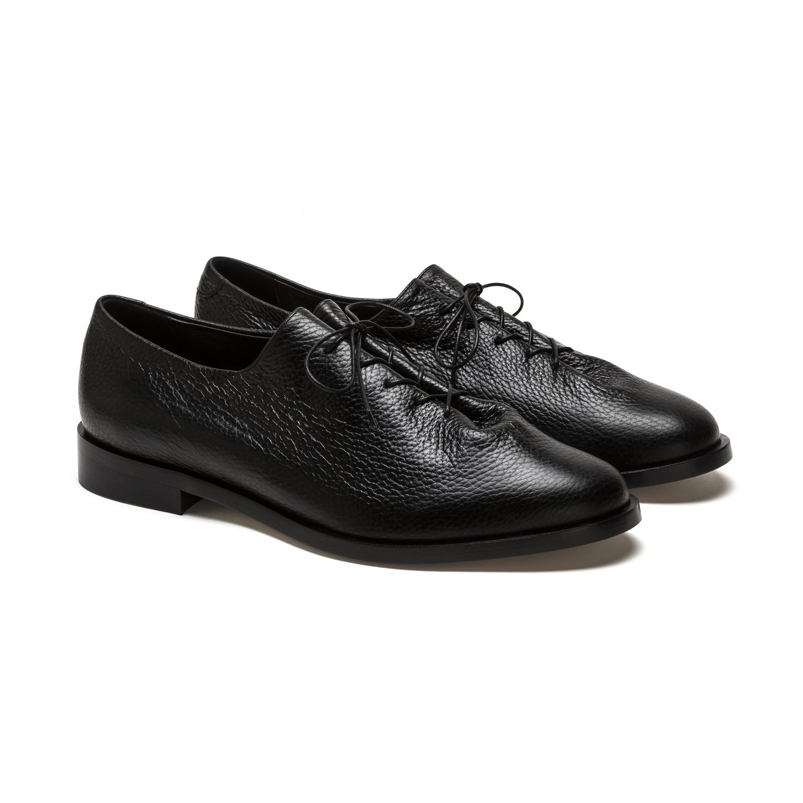 BlackLeatherDressShoes