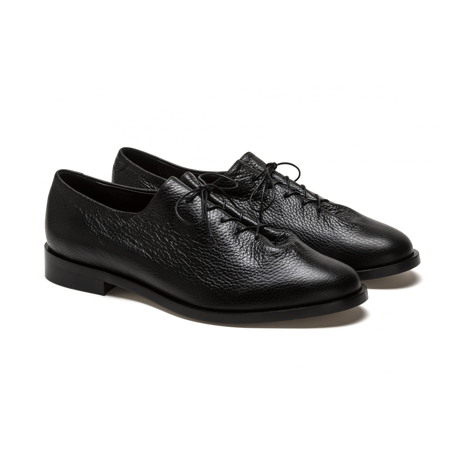 BlackLeatherDressShoes
