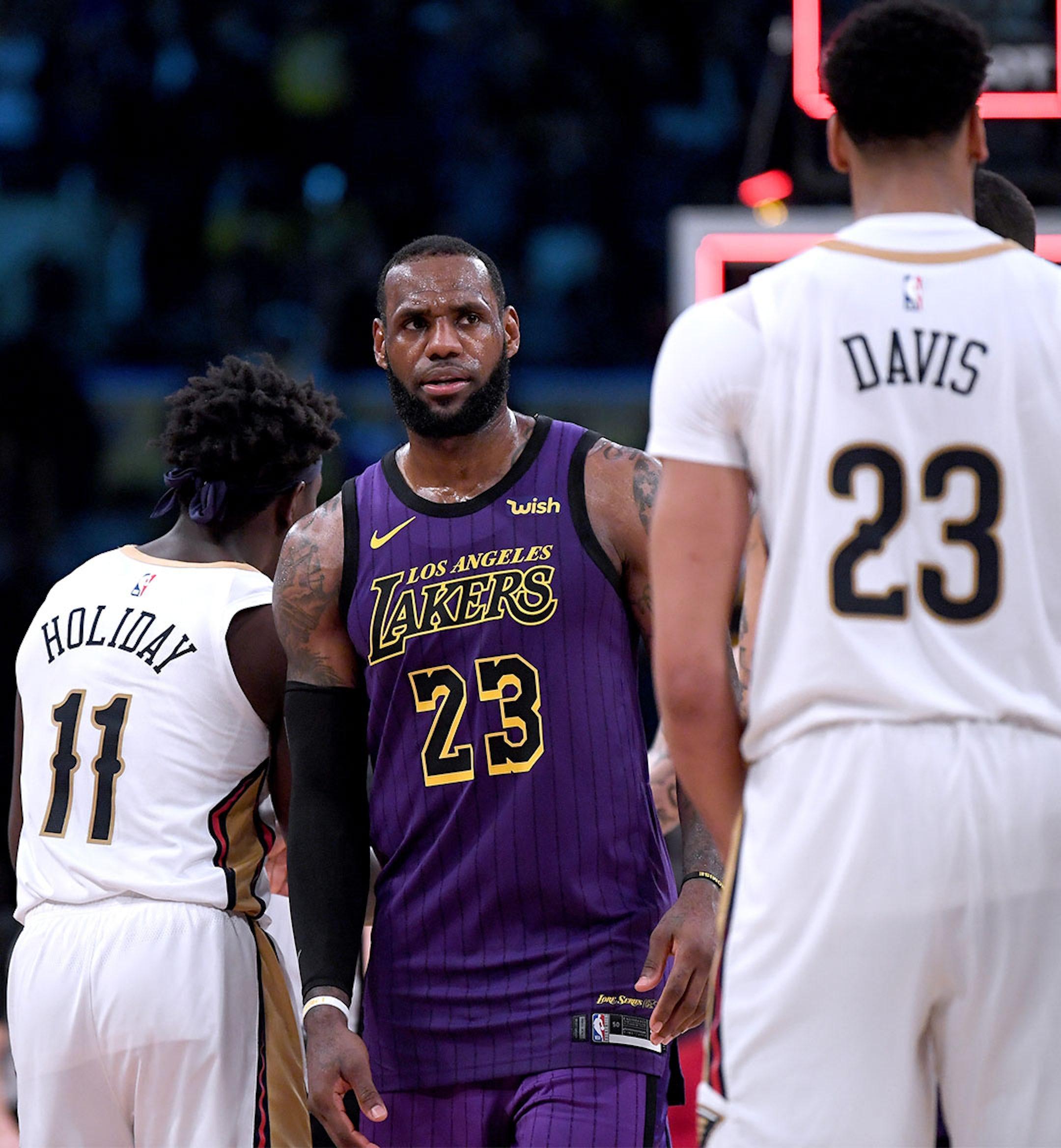 Lakers LeBron Mobile Hero Imaeg 1080x1168