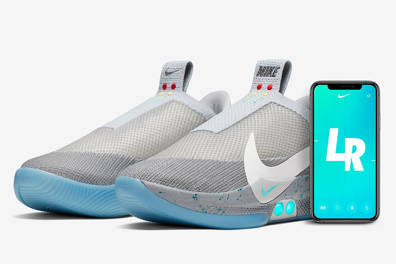 Observar curva Inapropiado  Nike Launches 'Back to the Future' Self-Lacing Sneakers // ONE37pm