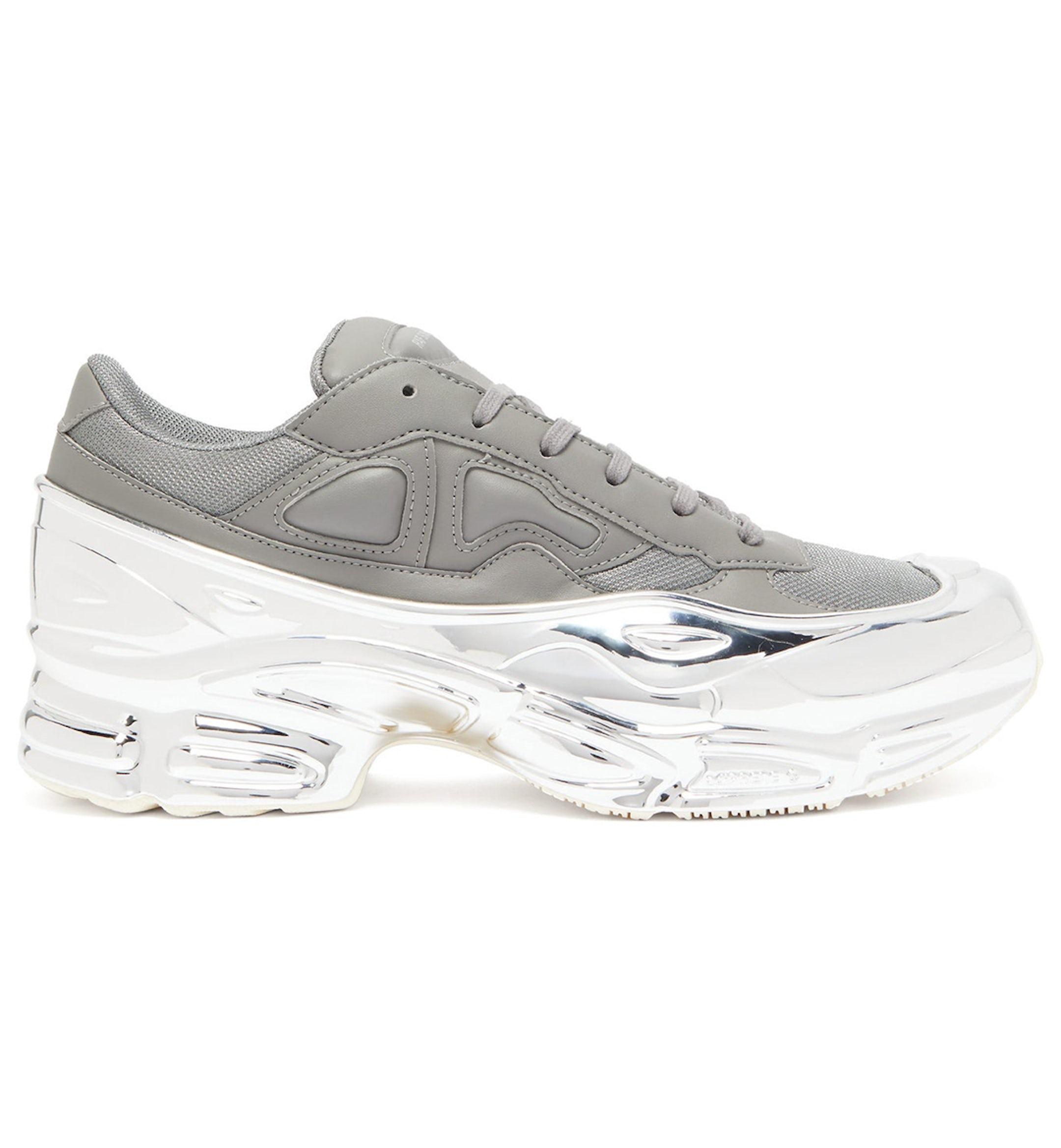 chunky dad sneaker trend hero