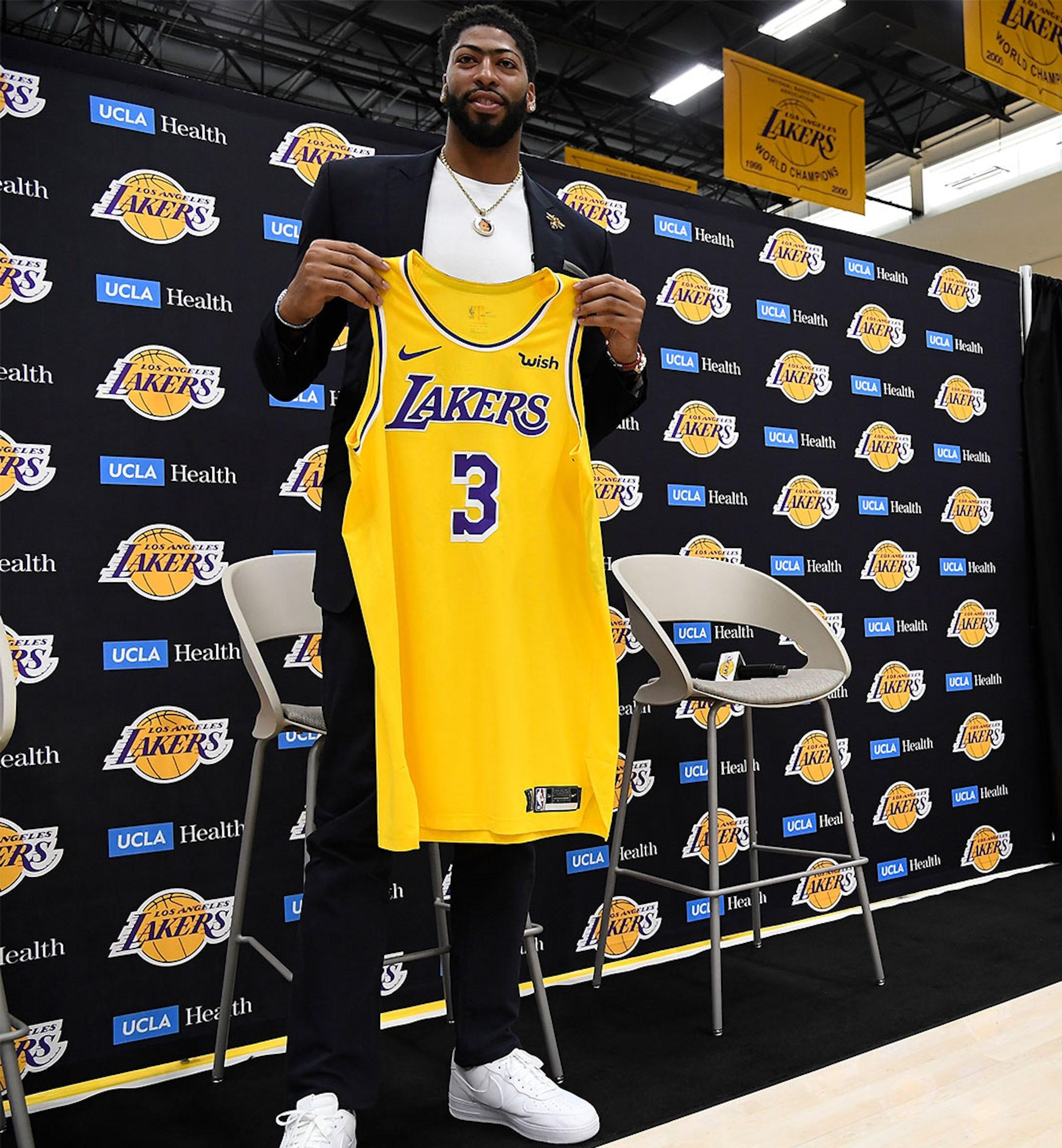 AD Lakers Mobile Hero Imaeg 1080x1168