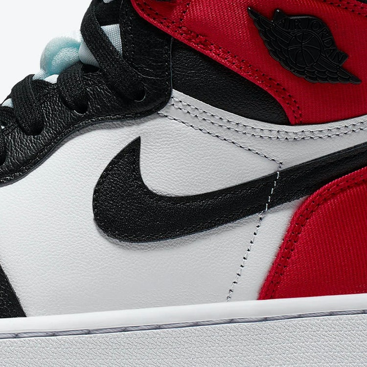 Air Jordan I Satin Black Toe 2